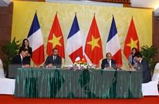 Truyền thông đưa đậm về chuyến thăm Việt Nam của Thủ tướng Pháp