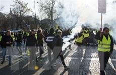"""Pháp: Biểu tình của phong trào """"áo vàng"""" ở Paris biến thành bạo loạn"""