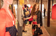 Hồ Ngọc Hà diện nguyên cây Gucci, gây ấn tượng với báo nước ngoài
