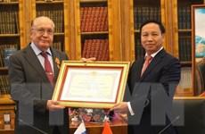 Việt Nam tặng huân chương hữu nghị cho trường đại học Lomonosov