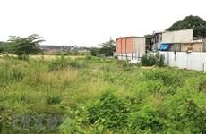 Kỷ luật một chủ tịch phường để xảy ra vi phạm pháp luật về đất đai