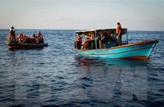 Bị Italy và Malta từ chối, người di cư đón Giáng sinh trên biển