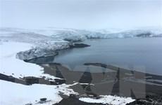 Lớp băng bao phủ trên đảo Greenland tan giữa mùa Đông
