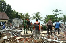 Nạn nhân sóng thần được chữa trị tại các bệnh viện lân cận