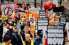 Phong trào biểu tình 'Áo vàng' tại Anh yêu cầu tổ chức tổng tuyển cử
