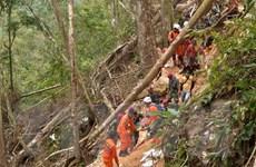 Gần 100 người có thể vẫn mắc kẹt trong vụ sập hầm mỏ ở Indonesia