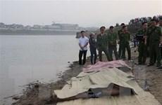 Thăm hỏi động viên gia đình 8 học sinh bị đuối nước ở Hòa Bình