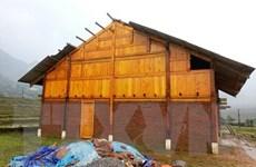 Mưa kèm dông lốc gây thiệt hại về nhà ở và tài sản tại Lào Cai