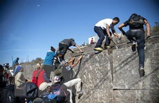 Phương án mới của chính quyền Trump đối phó với làn sóng di cư