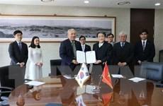 Đại học Quốc gia Incheon ký thỏa thuận cấp học bổng cho sinh viên Việt