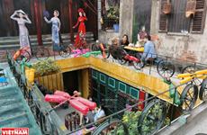 Quán càphê làm bằng vật liệu tái chế trong phố cổ Hà Nội
