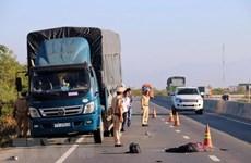Tạm giữ tài xế gây tai nạn liên hoàn làm 2 cảnh sát bị thương