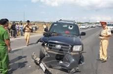 [Video] Cảnh sát giao thông qua đời vì bị tài xế xe 'điên' ép xe ngã