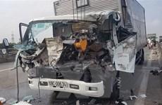 [Video] Tai nạn trên đường dẫn ra cao tốc, 3 người thương vong