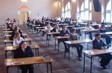 Ba Lan: Hơn 600 trường phải dừng thi PTTH do đe dọa đánh bom