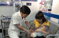 Nhân viên y tế e ngại khi tư vấn cho phụ huynh tiêm vắcxin ComBE Five