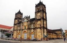 Nam Định: Tạm hoãn hạ giải nhà thờ chính tòa Bùi Chu