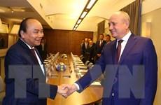 [Photo] Thủ tướng tiếp phó chủ tịch tập đoàn dầu khí Gazprom