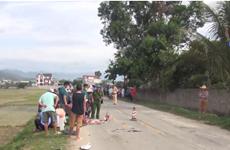 [Video] Xe tải va chạm xe máy khiến 2 mẹ con thương vong
