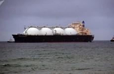Vụ nổ gây cháy tàu tiếp dầu ở Nga khiến 6 người thương vong