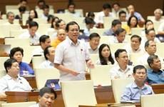 Quốc hội biểu quyết ba luật và thảo luận về hai dự án luật