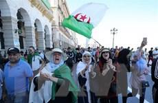 Dân Algeria biểu tình tuần thứ 18 liên tiếp đòi chuyển đổi chính trị