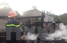 Lâm Đông: Hỏa hoạn trong đêm thiêu rụi 12 kiốt cho thuê