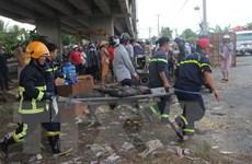 Vụ 2 xe ôtô rơi từ cầu Hàm Luông: Thêm hai nạn nhân tử vong