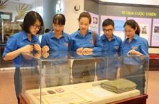 """Bắc Ninh trưng bày tài liệu, hiện vật chuyên đề """"Uống nước nhớ nguồn"""""""