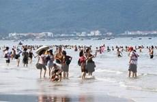 [Video] Muốn tắm biển an toàn cần chú ý những yếu tố gì?