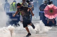 Cảnh sát Pháp trấn áp người biểu tình phản đối thượng đỉnh G7