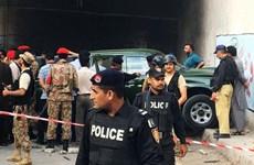 Sập cầu xuống sông tại Pakistan khiến nhiều người chết và mất tích
