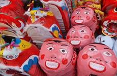 Gặp gỡ gia đình duy nhất còn giữ nghề làm mặt nạ bồi ở phố cổ Hà Nội