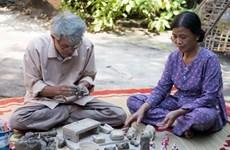 Gia đình cuối cùng 'giữ lửa' nghề làm tượng phỗng của xứ Kinh Bắc