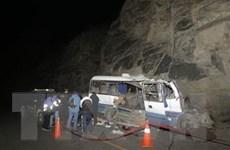 Peru: Xe buýt mất lái đâm vào vách núi, ít nhất 17 người thiệt mạng