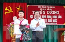 Hà Nội khen thưởng học sinh dũng cảm cứu 2 em nhỏ bị đuối nước