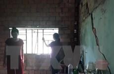 Nhà cửa bị 'xé toạc' do sạt lở, dân thượng nguồn sông Đồng Nai kêu cứu