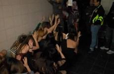Cảnh sát Malaysia bắt 30 phụ nữ Việt Nam trong một hộp đêm