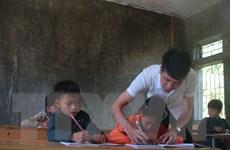 Những thầy cô dành cả thanh xuân gieo chữ trên đỉnh Hò Lù