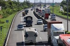 Đề nghị tăng cường xử lý vi phạm trên cao tốc TP. HCM-Trung Lương