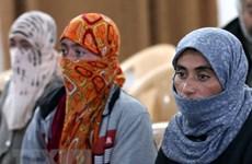 Pháp tiếp nhận 27 phụ nữ Iraq là nạn nhân của tổ chức IS