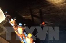Cấp cứu thuyền viên bị vật nặng rơi trúng đầu trên biển Đà Nẵng