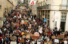 Học sinh, sinh viên tuần hành vì khí hậu ở nhiều thành phố Bồ Đào Nha