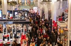 Người dân Mỹ chi 7,4 tỷ USD mua sắm trong ngày Black Friday