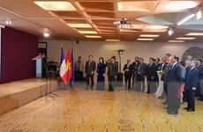 Kỷ niệm ngày QĐND và Công bố Sách Trắng Quốc phòng tại Pháp