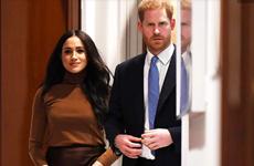 """Nữ hoàng Anh ủng hộ vợ chồng Hoàng tử Harry có """"cuộc sống mới"""""""