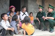 """Người lính quân hàm xanh tạo dựng """"thế trận lòng dân"""" nơi biên cương"""