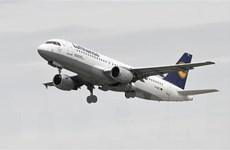Dịch COVID-19: Ngành hàng không toàn cầu tiếp tục giảm số chuyến bay
