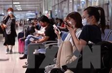 Philippines đóng cửa sân bay Luzon, Hong Kong cách ly tập trung khách