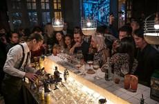 Hong Kong ra lệnh đóng cửa các quán bar và quán rượu